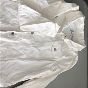White Jean jacket. Only worn once. From Old Navy.